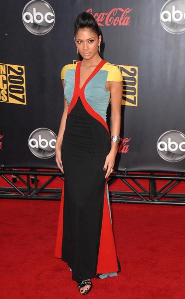 american-music-awards-2007-nicole-scherzinger-1.jpg